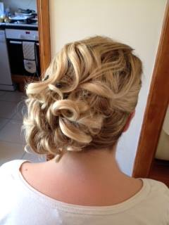 'Curly Up' Wedding Hairstyles